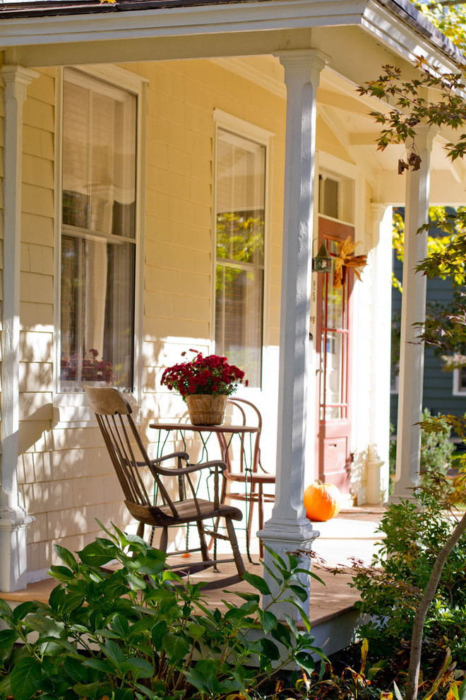 120 fall porch decorating ideas shelterness Small front porch decorating ideas for fall