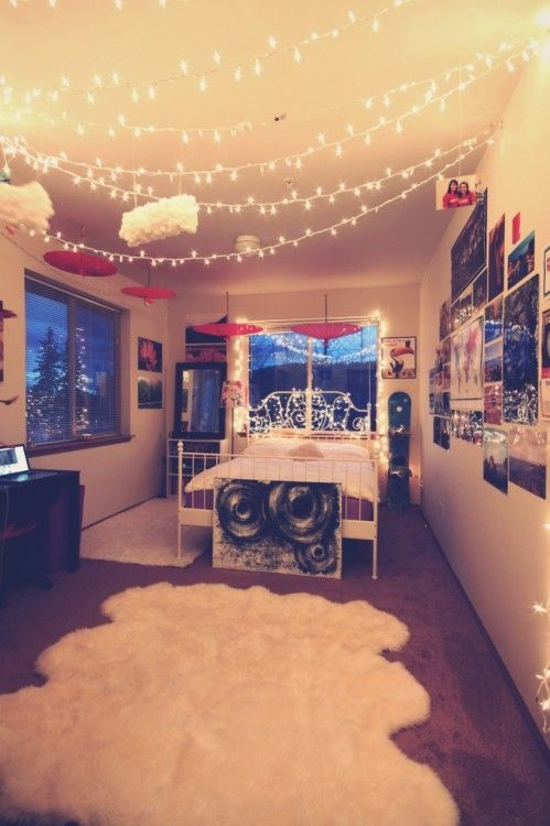 ideas to hang christmas lights in a bedroom - Christmas Lights Bedroom Decor