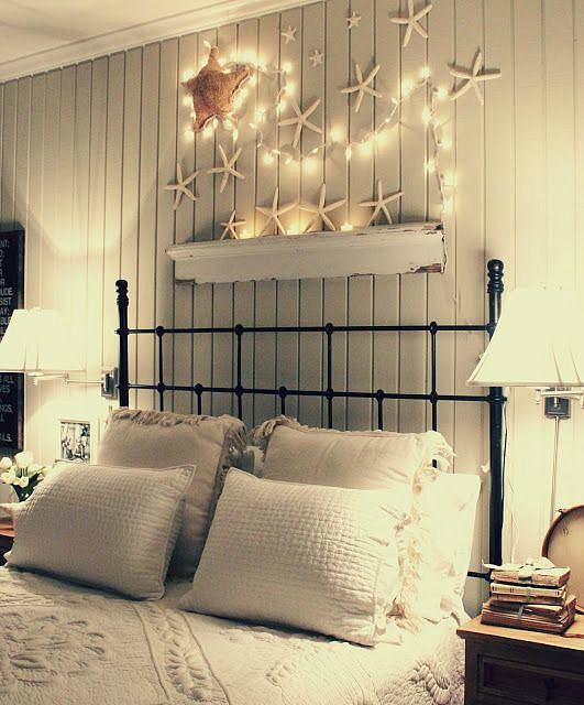 45 ideas to hang christmas lights in a bedroom shelterness 19063 | 15 ideas to hang christmas lights in a bedroom 27