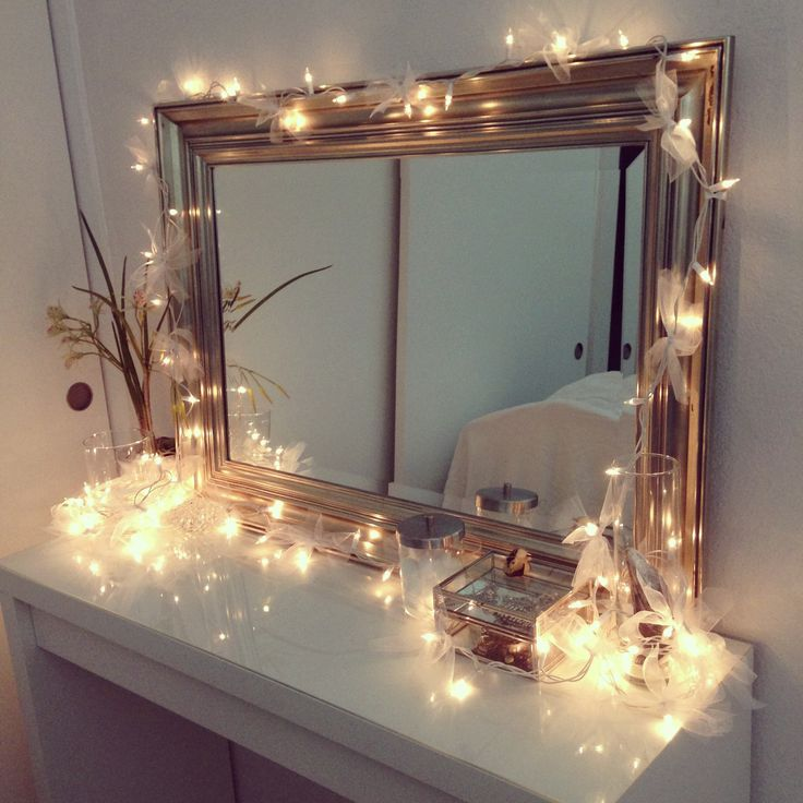 Christmas Light Ideas Bedroom Part - 36: Ideas To Hang Christmas Lights In A Bedroom · Do You Have A Vanity In Your  Bedroom? Here Is How It Should Look During