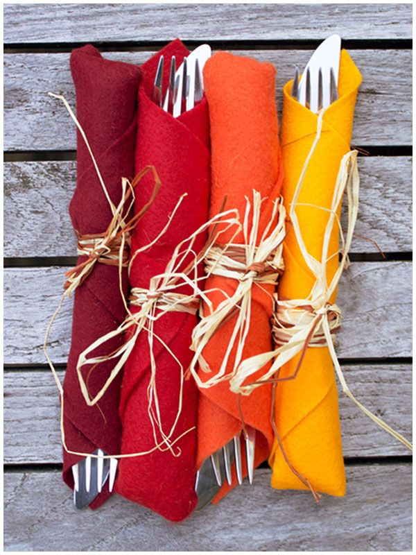 Here is a cute idea to wrap utensils with acrylic felt in fall colors. It'd work perfect for your Thanksgiving table.
