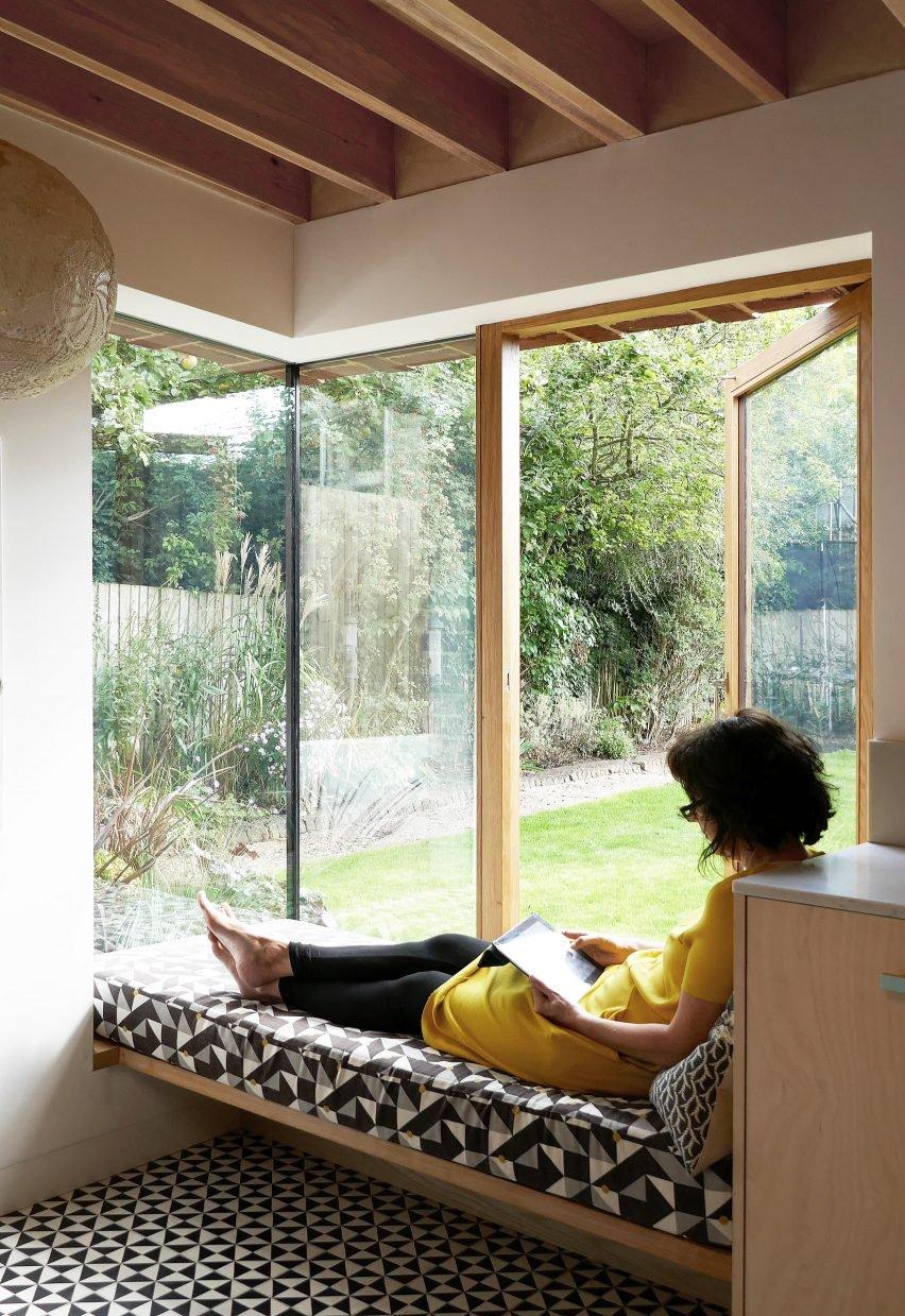 cool bay window decorating ideas