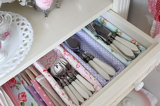 feminine way to make drawer utensil organizer