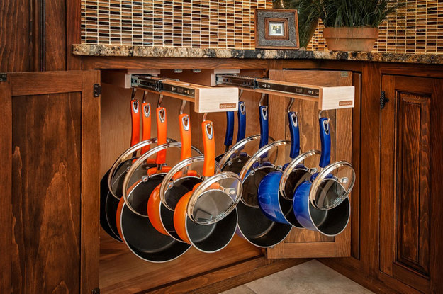 slide out racks are perrfect to store your frying pans