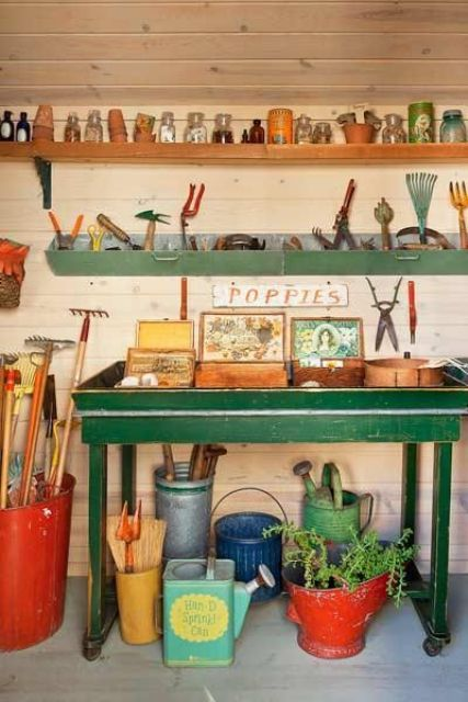 Garden shed's potting table with storage (via digsdigs)