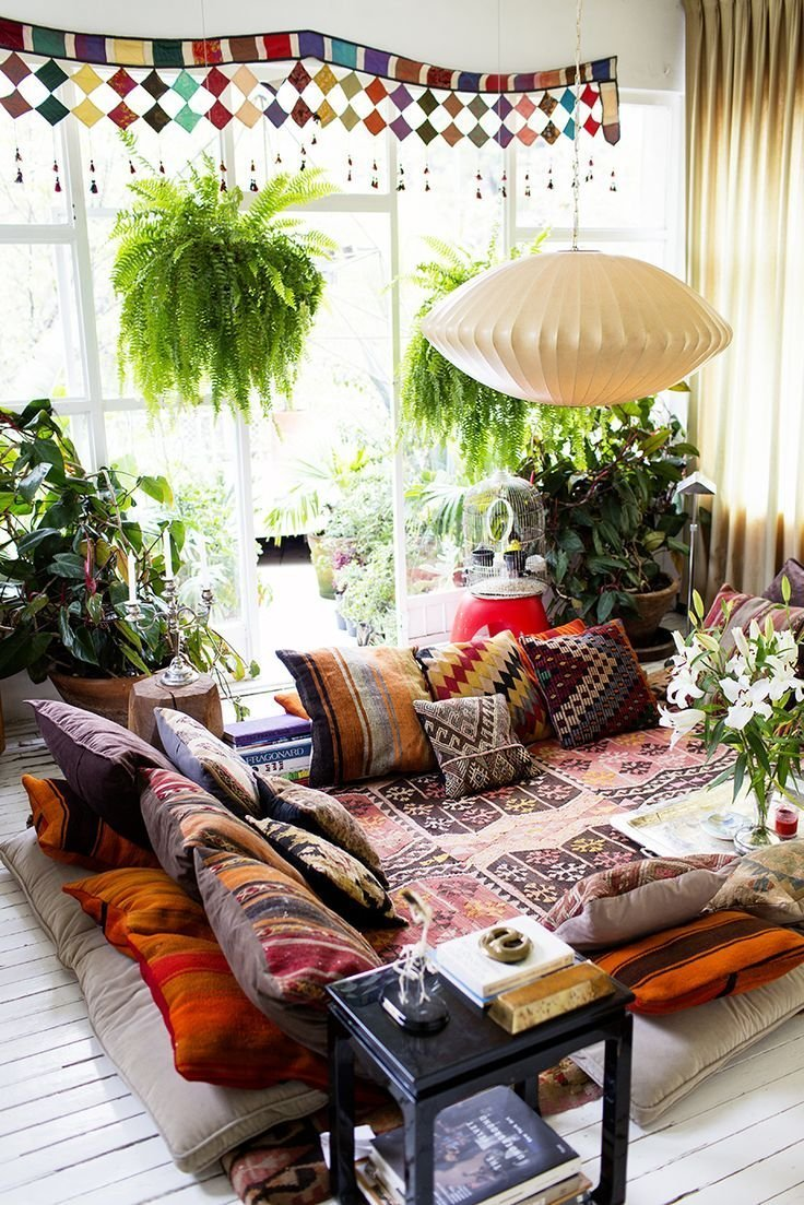 57 cool ideas to decorate your place with floor pillows for Places to get home decor