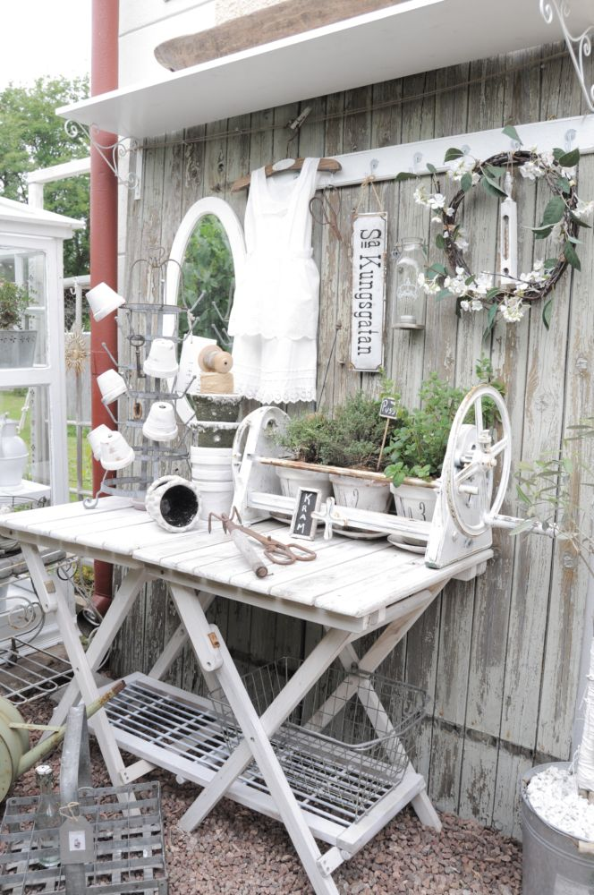 58 Awesome Potting Benches For Every Gardener - Shelterness