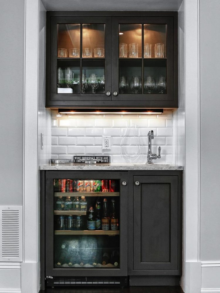 51 cool home mini bar ideas shelterness for Small bars for home designs