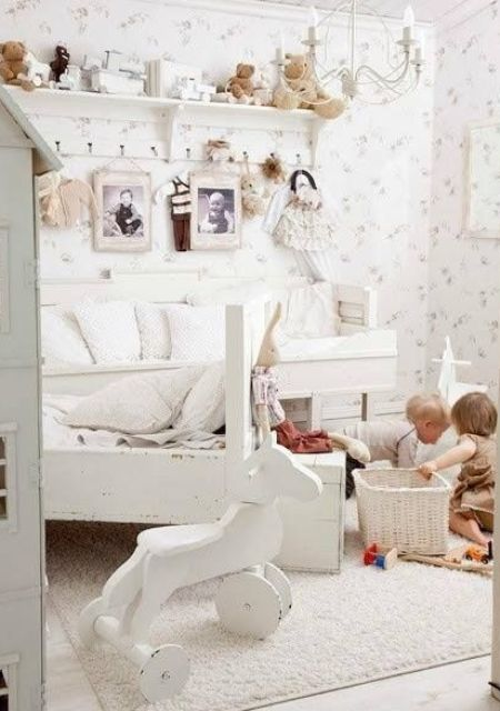 Spectacular lovely shabby chic bedroom for a kid