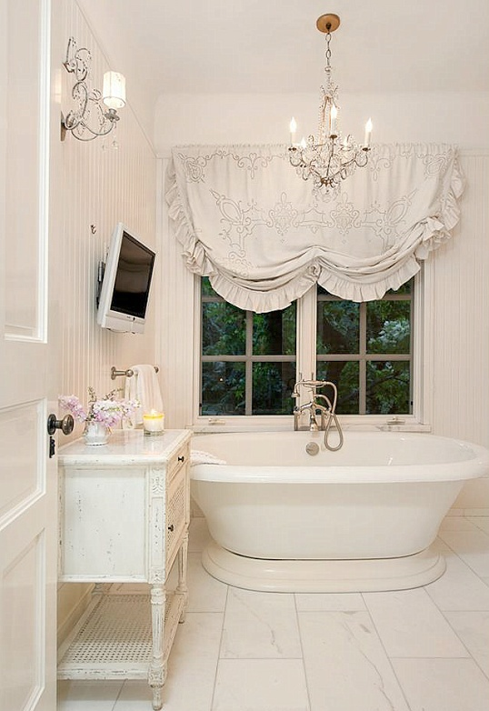 Unique modern approach to a shabby chic bahtroom design