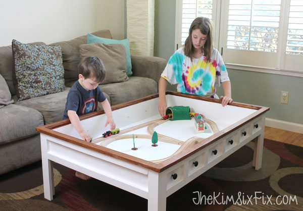Here is a genius solution for small living rooms. This cute DIY coffee table can quickly become a LEGO playground. That