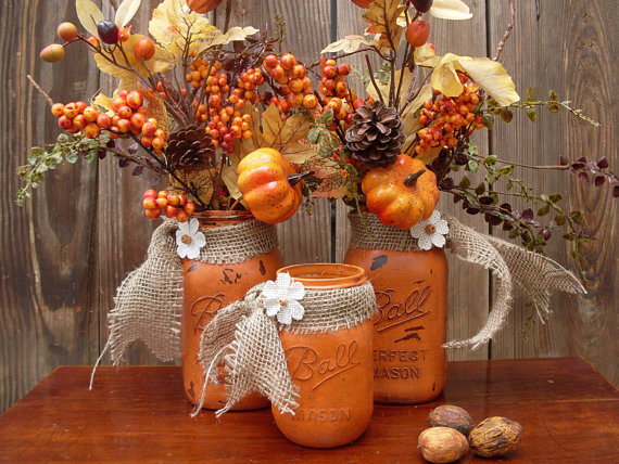Here is a great idea to turn mason jars into rustic vases for fall bouquets. Such arrangement would look gorgeous on a mantel.
