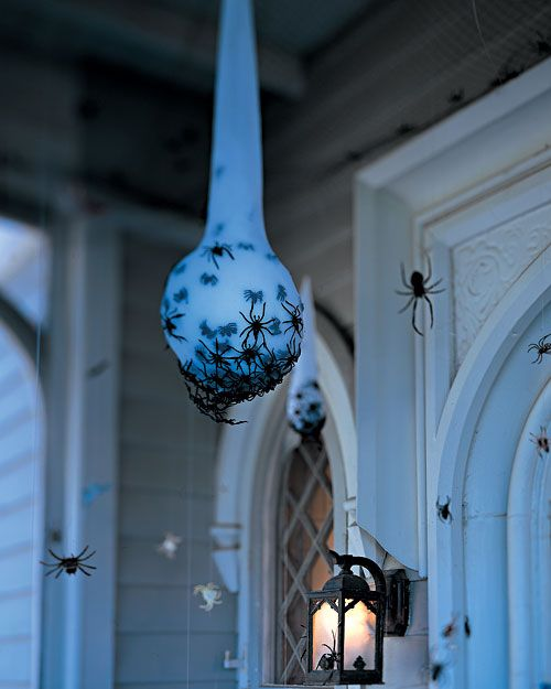 a spider egg sac is a very stylish and very spooky Halloween decoration for both indoors and outdoors