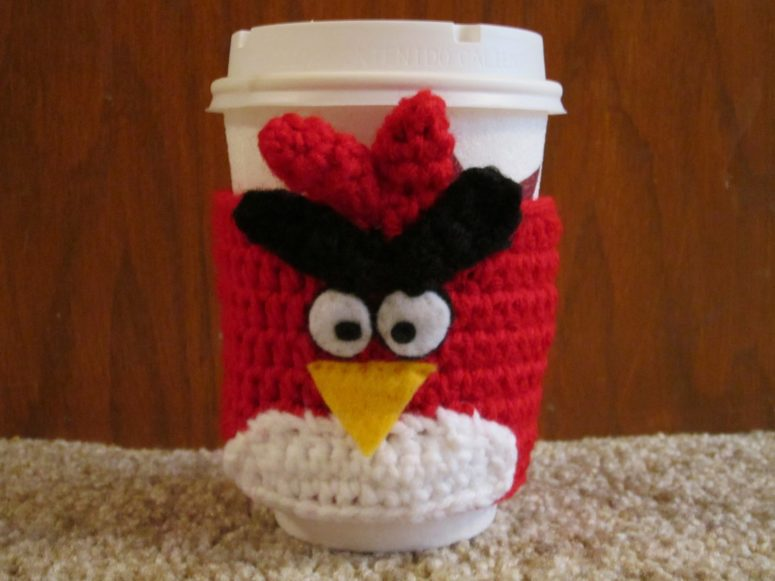 Angry Birds Coffee Cozy Crochet Pattern  (via thecrochetmommy.blogspot.ru)