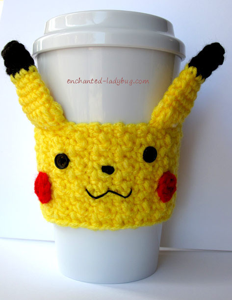 Crochet Pikachu cozy that is perfect for kids (via enchanted-ladybug.com)