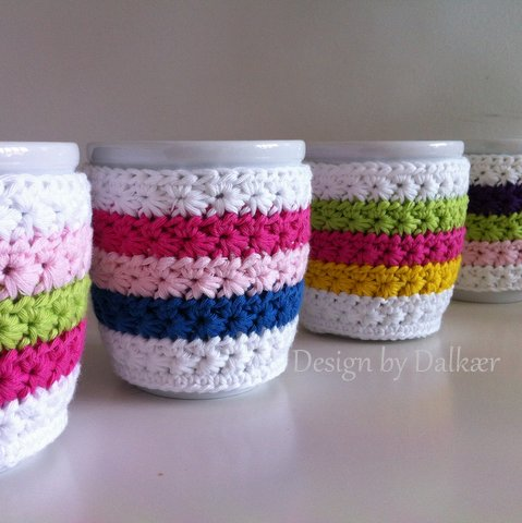 Rainbow-a-like cup cozy. You can mix your favorite colors. (via designbydalkaer.blogspot.ru)