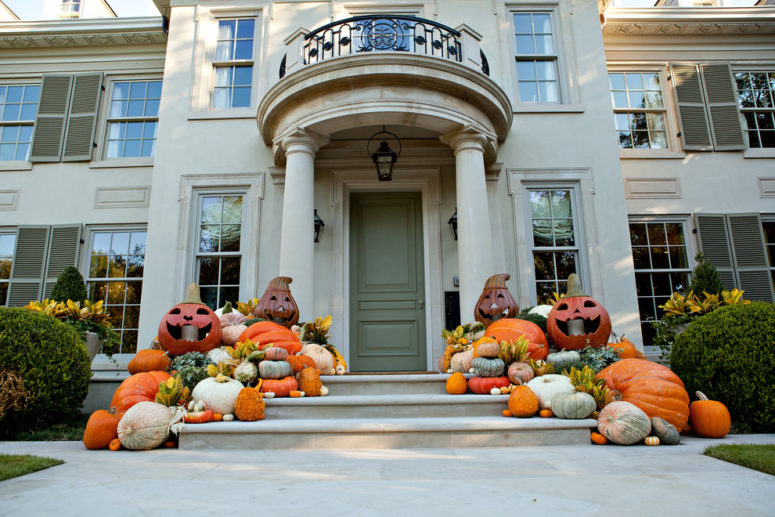 Here Is An Awesome Example Of How Well The Porch Could Be Decorated For Fall  And Part 97