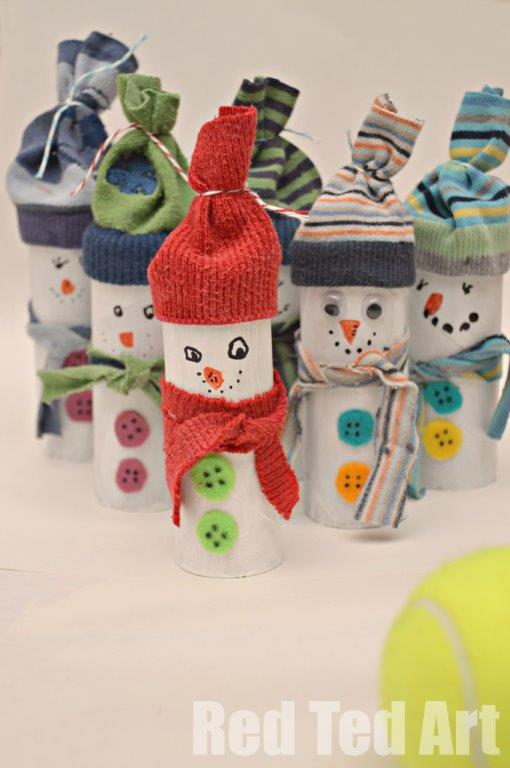 This craft project is pretty much 99% recycled. It's a great way to spend time with your kids during holidays and make some decorations together. (via www.redtedart.com)