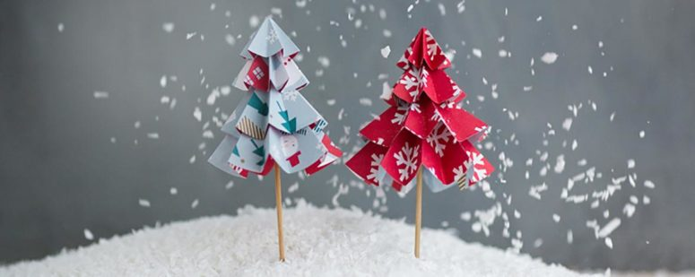 Made of double-sided wrapping paper these little trees are perfect for festive table settings. (via www.kikki-k.com)