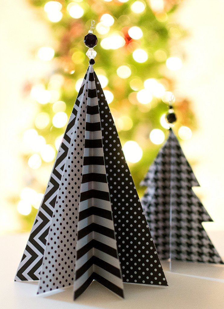 black and white tabletop christmas trees - Easy Paper Christmas Decorations