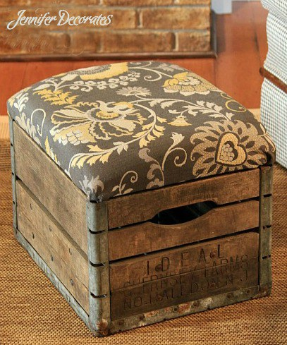 If you wonder how to make an ottoman of a milk crate this tutorial will help. (via jenniferdecorates)