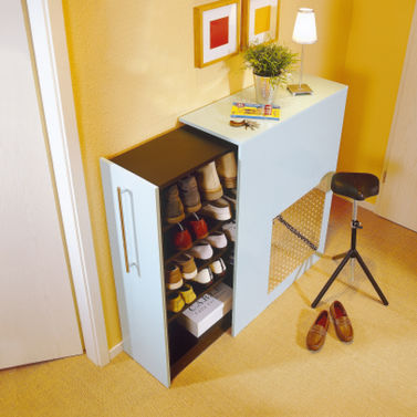 You can turn a Billy bookcase into an expanding shoes rack (via selbst)