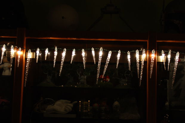 icicles mini lights (via instructables)