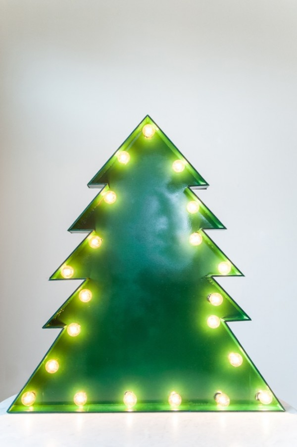 Christmas tree marquee (via thesweetestoccasion)