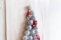 beautiful-diy-wall-ornament-christmas-tree-1