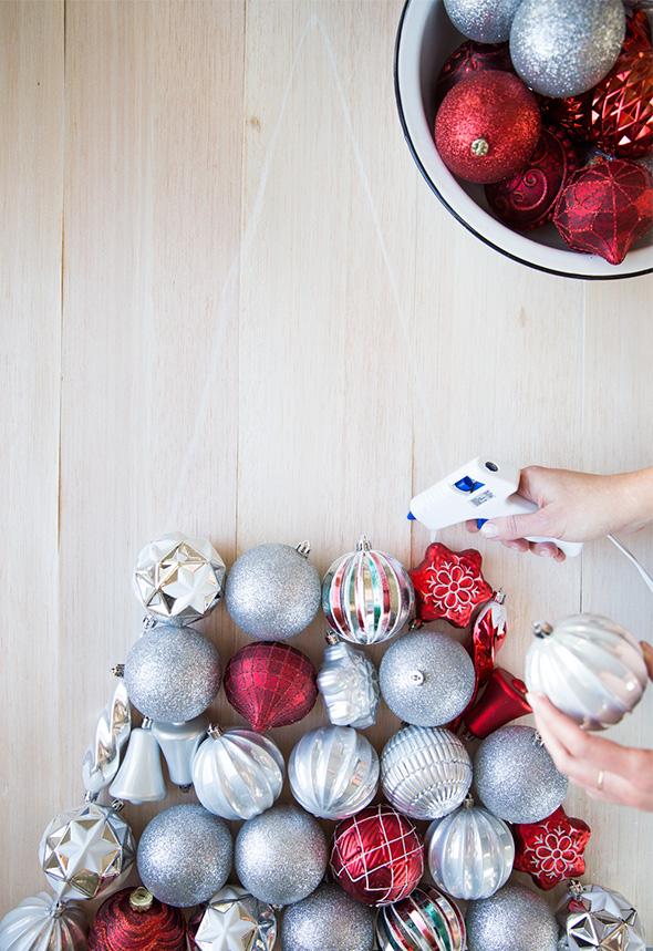 Beautiful DIY Wall Ornament Christmas Tree