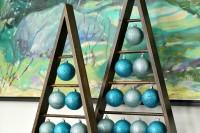 triangle ornament stand
