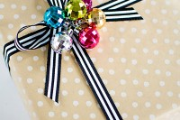ornament cluster gift topper