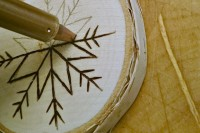 diy-birch-slice-ornaments-with-wood-burned-design-4