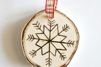 diy-birch-slice-ornaments-with-wood-burned-design-5