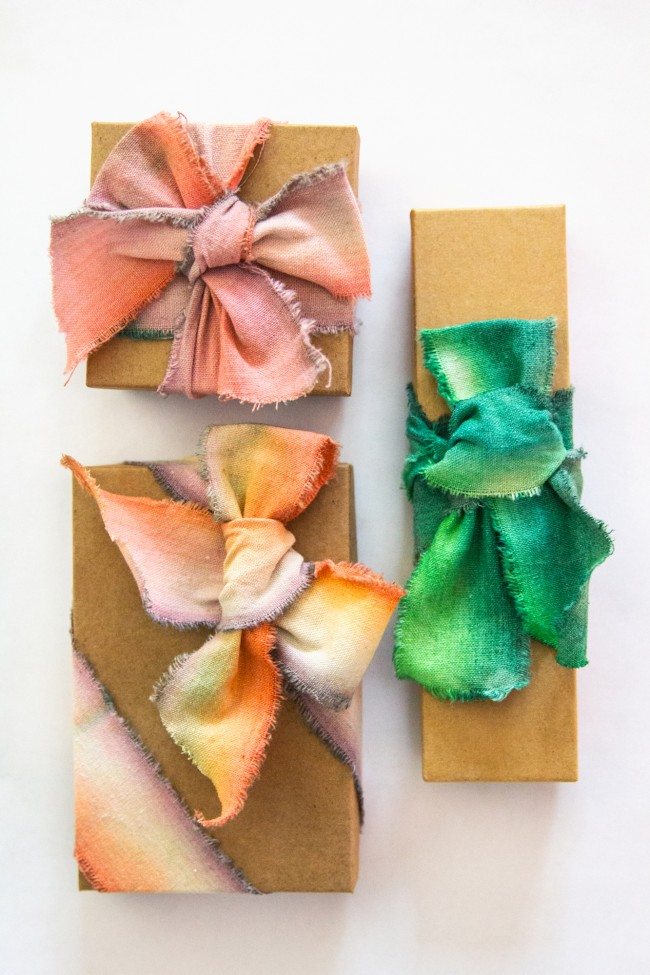 DIY Dip-Dyed Ribbons For Wrapping Your Gifts