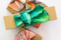 diy-dip-dyed-ribbons-for-wrapping-your-gifts-3