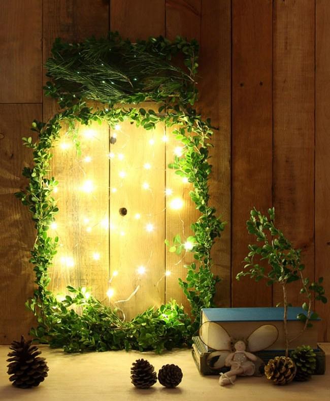 Picture Of diy giant glow jar of fireflies christmas wreath  1