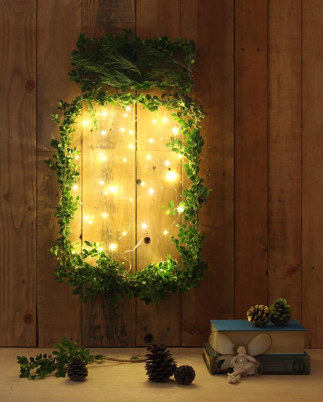 DIY Giant Glow Jar Of Fireflies Christmas Wreath