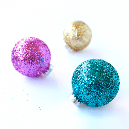 glitter ornaments (via shelterness)