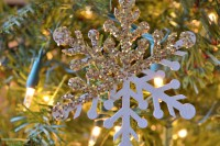 glitter dipped snowflakes