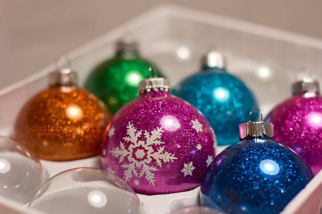 mess free glitter ornaments