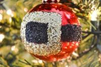 glitter Santa belt ornament