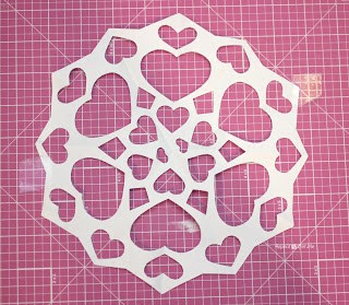 26 heart snowflake (via repeatcrafterme)