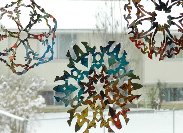 junk mail snowflakes (via growcreativeblog)