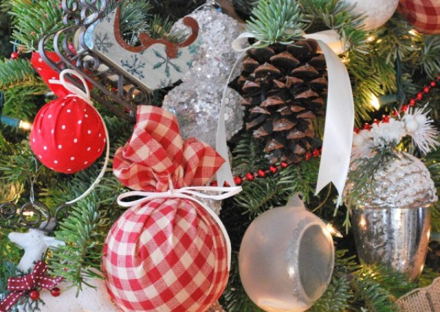 DIY Pottery Barn Inspired Plaid Christmas Ornaments