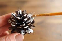 diy-sugarplum-christmas-pinecone-garland-3