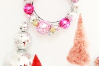 diyshining-disco-ball-wreath-for-christmas-and-new-year-3