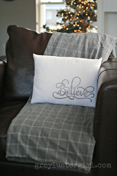 leather words pillow (via greylustergirl)