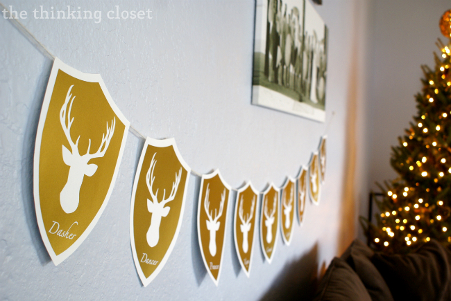 deer holiday garland (via thinkingcloset)