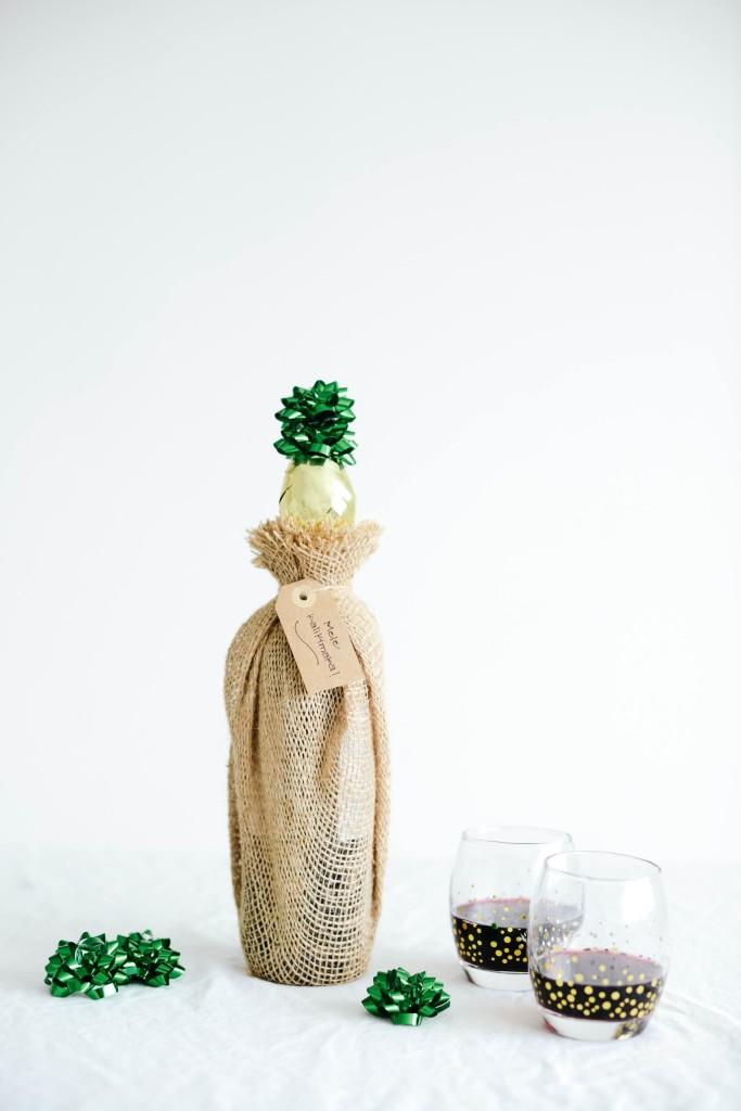 Fun DIY Pineapple Wine Bottle Topper